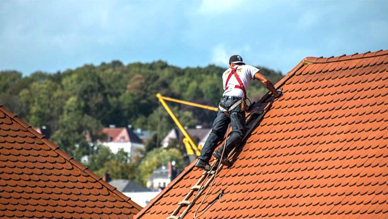 Entretien de toiture : conseils et mode d'emploi